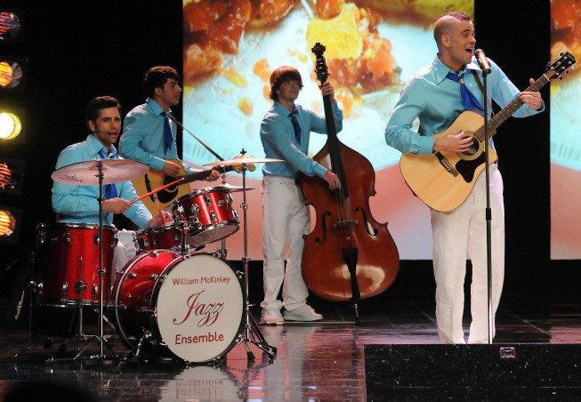 Glee - John Stamos on