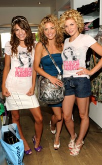 AnnaLynne McCord and her two sisters