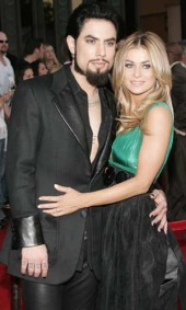 Dave Navarro and Carmen Electra class=