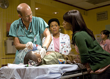 Anthony Edwards and Angela Bassett in ER
