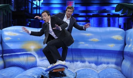Jimmy Fallon and Simon Baker