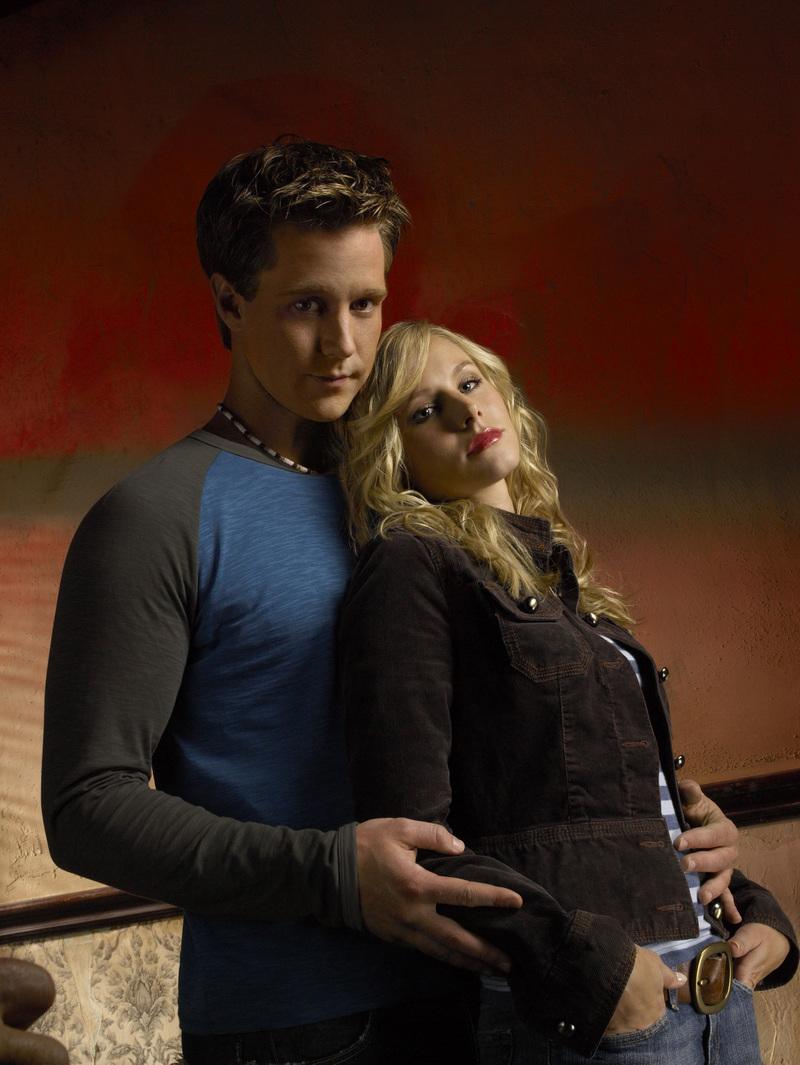 Jason Dohring and Kristen Bell