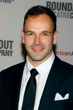 Jonny Lee Miller