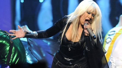 Christina Aguilera performing her latest hit at the 2008 VMA